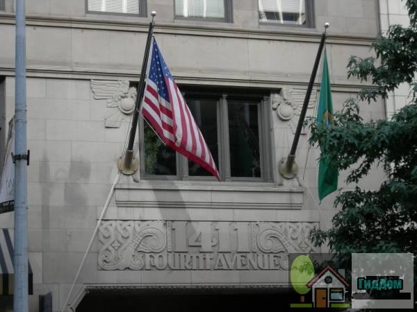 Дом №1411 на Четвертом проспекте (ориг.: 1411 Fourth Avenue Building). Загружен из открытых источников.