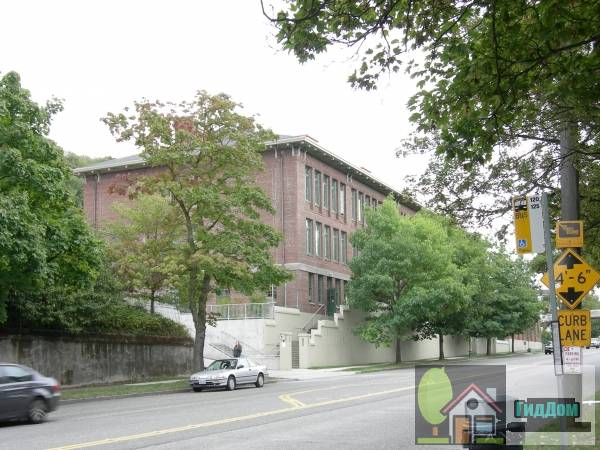 Начальная школа имени Френка Б. Купера (Frank B. Cooper Elementary School)