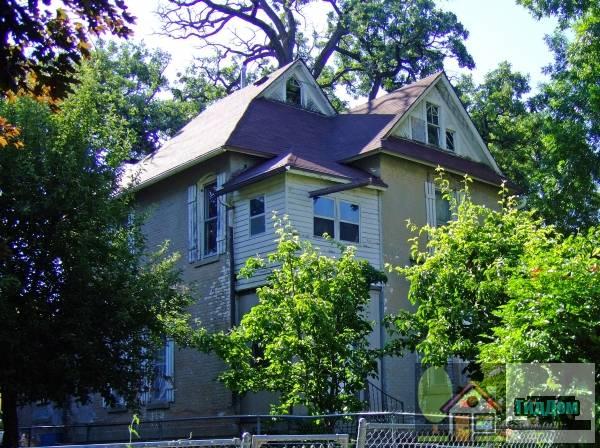 Дом Лоури У. и Хэтти Н. Гуди первый Северный ДеМойн (Lowry W. and Hattie N. Goode First North Des Moines House)